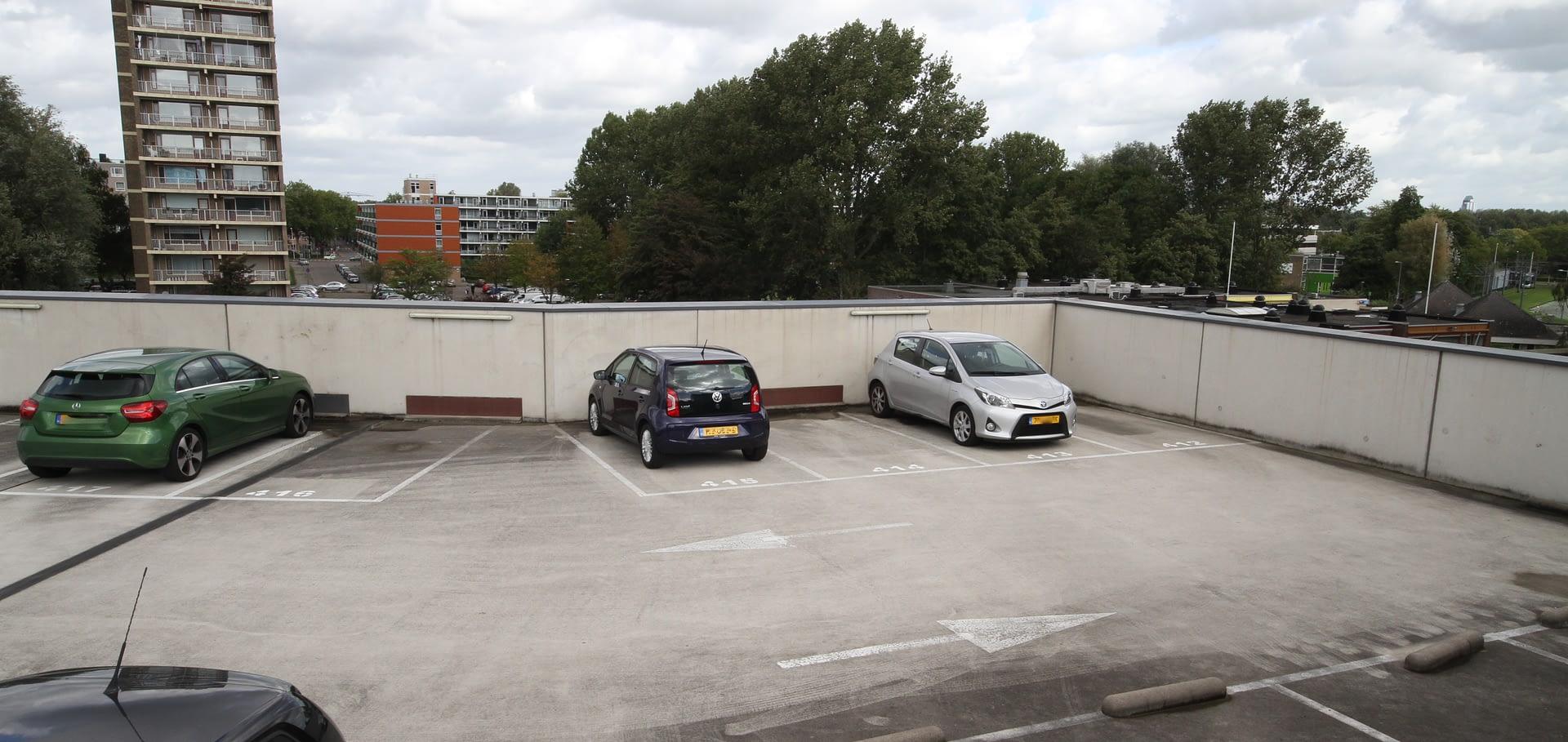 Parking Hoogmonde Rotterdam HUIZEN010 makelaars